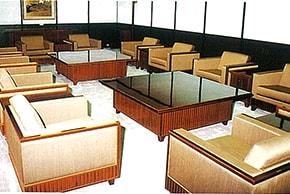 高山市市庁舎貴賓室 春慶塗家具の写真
